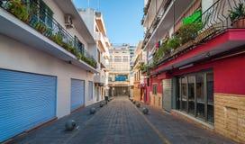 Rues d'Emptry et boutiques fermées de Sant urbain Antoni De Portmany, Ibiza, Espagne Photographie stock libre de droits