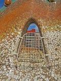 Rues de bâtiments de Barcelone et beauté de ville d'Antoni Gaudi Image libre de droits
