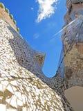 Rues de bâtiments de Barcelone et beauté de ville d'Antoni Gaudi Images libres de droits