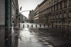 Rues de Berlin dans un jour pluvieux Images stock