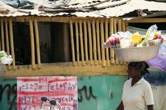 Rues de chapeau Haitien, Haïti Photo stock