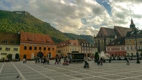 Rues de la vieille ville de Brasov images libres de droits