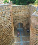 Rues de murs de ville de Toledo, Espagne image libre de droits