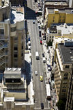 Rues de San Francisco vues d'un grattoir de ciel Image stock