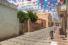 Rues de ville de Pula décorées des drapeaux Images libres de droits