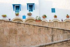 Rues et bâtiments, Yasmine Hammamet, Tunisie photo libre de droits