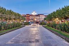Rues et foire médiévale et x28 ; closed& x29 ; en Alcala de Henares, aube pendant la semaine de Cervantes et x28 ; 10/06/2016& x2 Images libres de droits