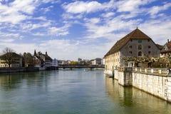 Rues et remblai de la ville suisse de Solothurn photos stock