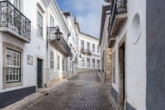Rues historiques traditionnelles de Faro au Portugal, l'Europe Images stock