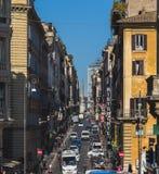 Rues passantes de Rome Photographie stock libre de droits