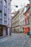 Rues vides pendant l'horaire d'hiver à vieux Riga Photo stock