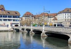 Rufolf Brun Bridge em Zurique, Suíça Fotografia de Stock Royalty Free