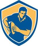 Rugby-Spieler-laufendes Ball-Schild Retro- lizenzfreie abbildung