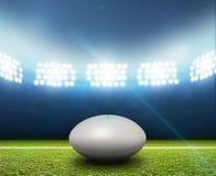 Rugby-Stadion und Ball Stockbilder