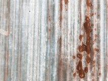 Ruggine sul vecchio pavimento domestico fotografia stock