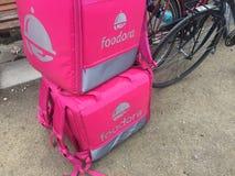 Rugzak van de Foodora de roze levering Royalty-vrije Stock Fotografie