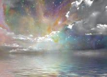Ruhe wässert sternenklaren Himmel