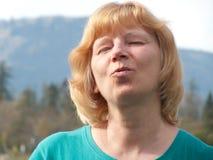 Ruhige fällige Frau Stockbilder