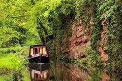 Ruhige Kanalbootfahrt stockbild