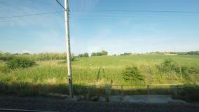 ruhige Landschaftsansicht 4K UltraHd von einem Zug stock footage