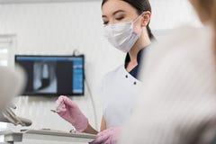 Ruhige Odontologistzurichtungswerkzeuge für Patienten Lizenzfreie Stockfotografie