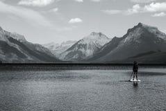 Ruhiger Berg Paddleboard Lizenzfreie Stockfotografie