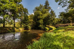 Ruhiger Fluss von einem Fluss Stockbild