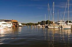 Ruhiger Jachthafen auf dem Chesapeake-Schacht Lizenzfreie Stockfotografie