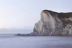Ruhiger Meerblick in Atxabiribil-Strand, Spanien stockfotografie
