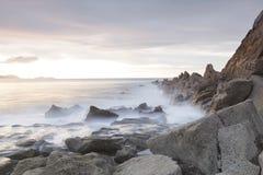 Ruhiger Meerblick in Azkorri-Strand, Spanien lizenzfreies stockfoto