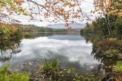 Ruhiger Morgen auf Waterbury-Reservoir Stockbilder