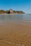 Ruhiger Ozean am Sommer Lizenzfreies Stockfoto