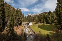 Ruhiger Platz in den Alpen Stockbilder