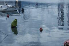 Ruhiger See am Abend Stockbild