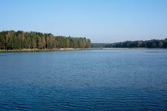 Ruhiger See im Polen Stockfotografie