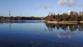 Ruhiger See neben Espoo stockfoto
