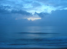 Ruhiger Sonnenaufgang Stockfoto