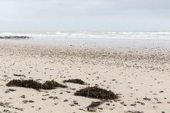 Ruhiger Strand in Normandie stockfotografie