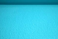 Ruhiger Swimmingpoolhintergrund Lizenzfreies Stockfoto