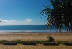Ruhiger und reizender Strand Lizenzfreie Stockfotografie