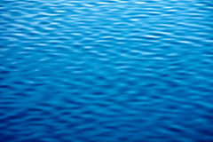 Ruhiger Wasserhintergrund Abstraktion für entspannen sich Stockfoto