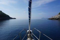 Ruhiges adriatisches Meer Lizenzfreies Stockfoto