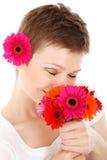Ruikend boeket van bloemen Royalty-vrije Stock Afbeeldingen