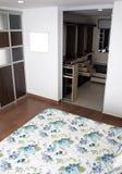 Ruime mooie slaapkamer Stock Foto