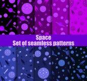 Ruimte naadloze patroonreeks Melkweg, achtergrond met spaceships, asteroïden en sterren Vector stock illustratie