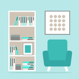 Ruimte van de woonkamer de binnenlandse lezing met moderne leunstoel, boekenkast en omlijsting Stock Afbeelding