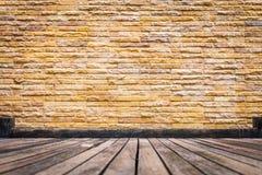 Ruimte van uitstekende grungy verf zwarte, rode, bruine brickwall Royalty-vrije Stock Fotografie