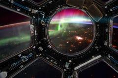 ruimtevaartuig Elementen van dit die beeld door NASA wordt geleverd vector illustratie