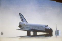 Ruimteveer die in Edwards Dry Lake, Edwards Air Force Base, CA landen royalty-vrije stock afbeelding