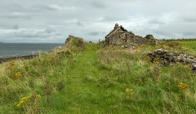 Ruin of a house at the irish coast Royalty Free Stock Images